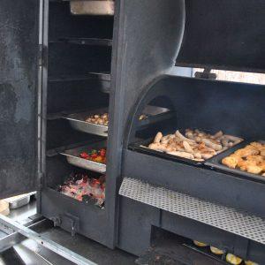 Grillstation in Betrieb