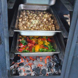 Pilze und Gemüse in der Grillstation